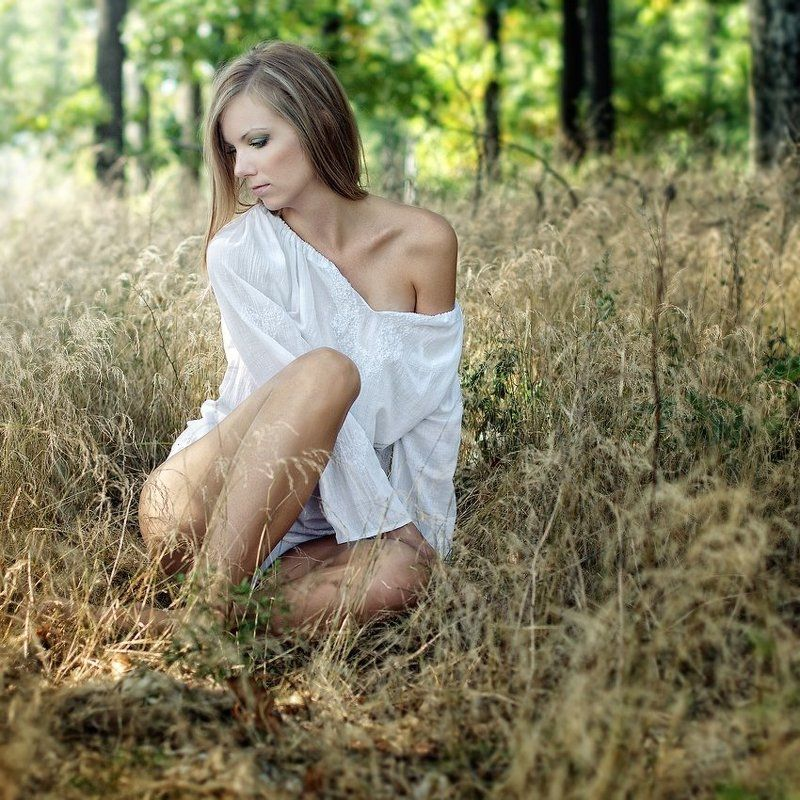 portrait,glamour,emotion Forest fairyphoto preview