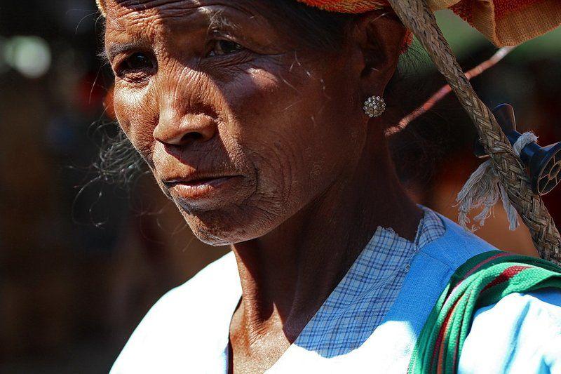 бирма, мьянма, люди бирмы, женщины бирмы, монахи бирмы Из серии \