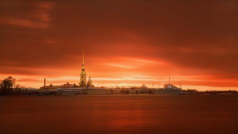 Рассвет над Петропавловским соборомphoto preview