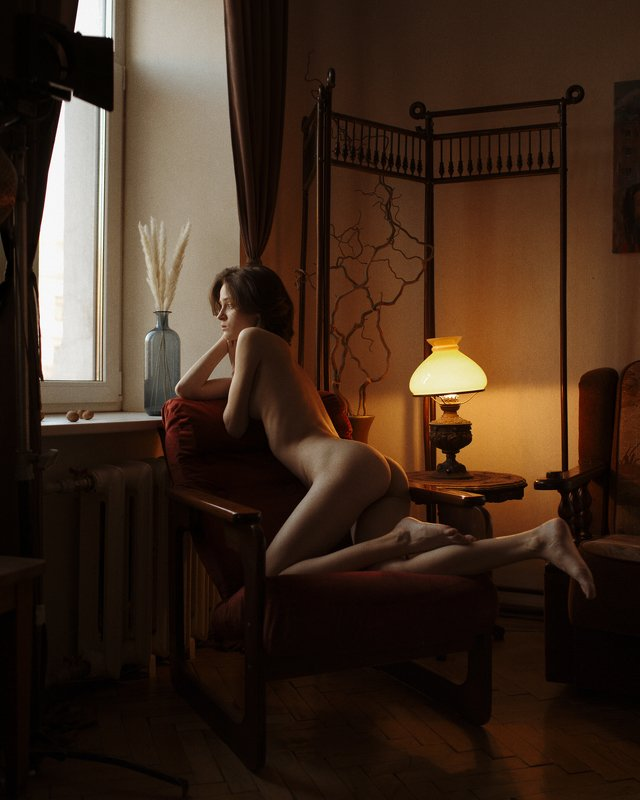 girl, nude, at home, naked, natural light, lamp, saint-petersburg, spb, at home, noise, light, dark, Carthagephoto preview