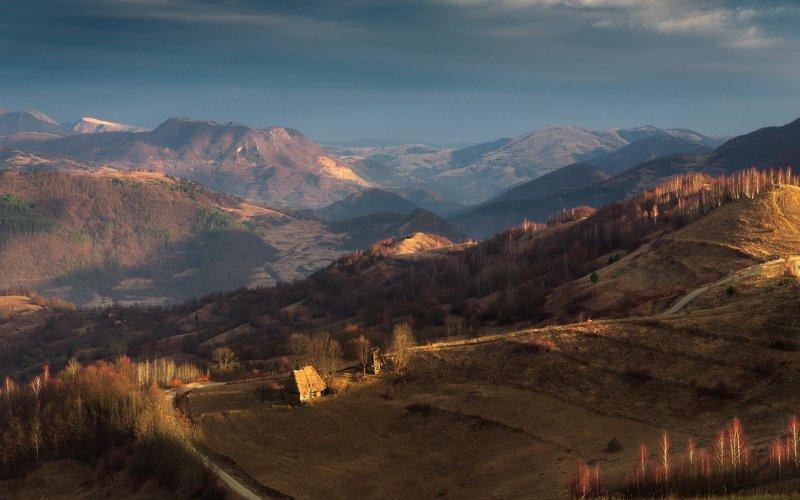 утро, холмы, румыния, домик, горы, пастораль,весна Утро ранней весныphoto preview