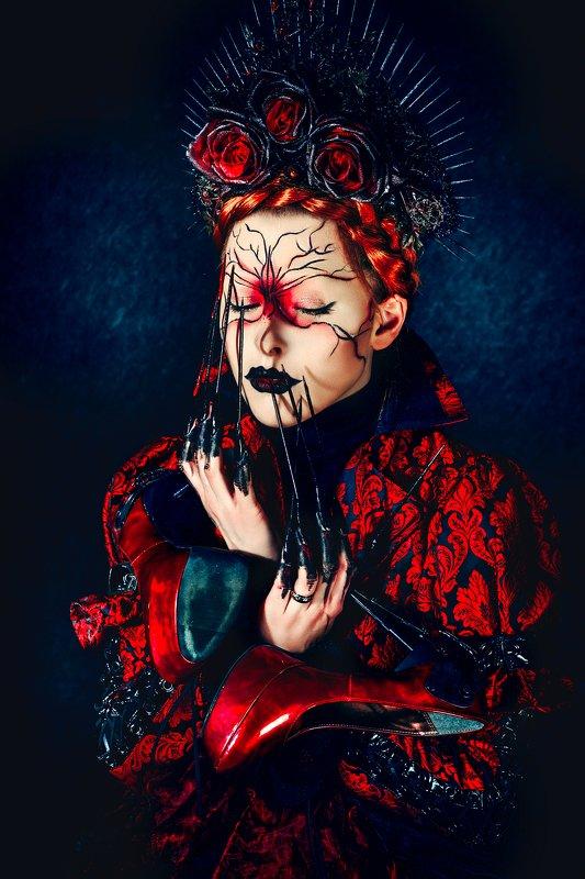 woman, beauty, fashion, art, studio, light Devil wears Pradaphoto preview