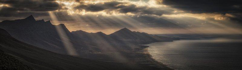 облака, горы, океан сквозьphoto preview