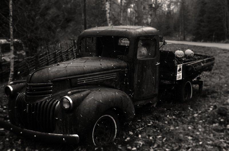 old car,nikon,sweden,stockholm,sepia,monochrome,car. \