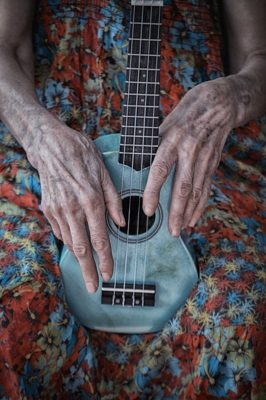 hands, guitar, woman, conceptual, life, portrait, color, руки, гитара, женщина, концептуально, жизнь, портрет \