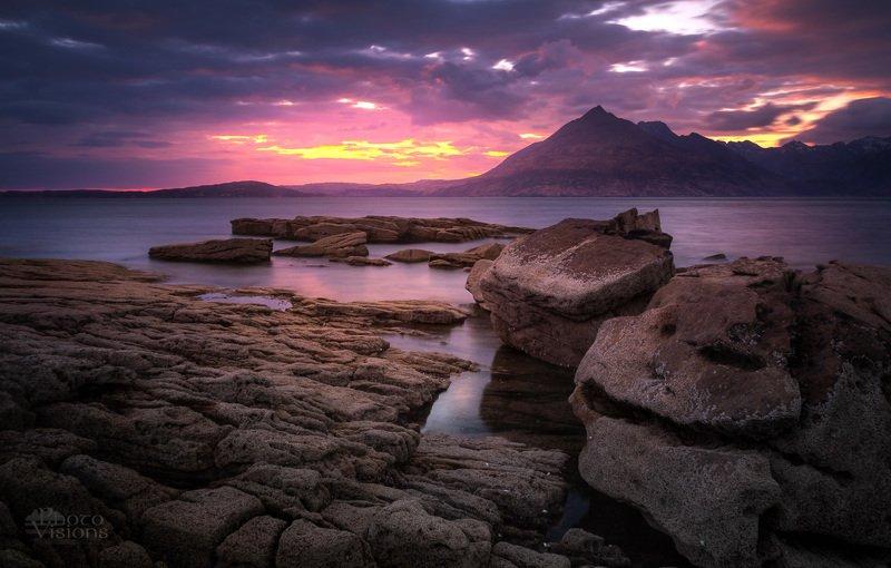 scotland,scottish,highlands,elgol,isle of skye,skye,sea,shoreline,seascape,sunset,rocks,rocky,shore Moody eveningphoto preview