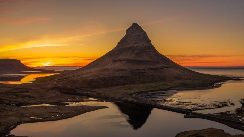 kirkjufell,iceland,горы,рассвет,аэрофотосъёмка,пейзаж Kirkjufellphoto preview