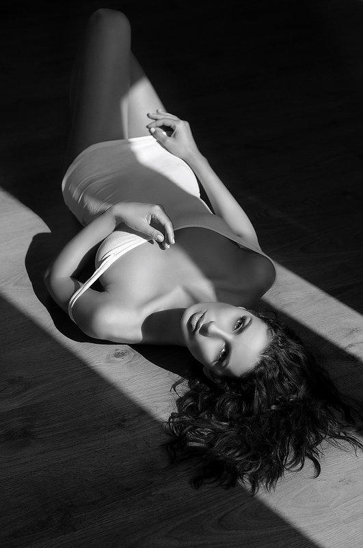 model, fine art, sexy, sensual, black and white, woman, female, body, erotica, glamour, curves, portrait, beautiful, fashion, Katephoto preview