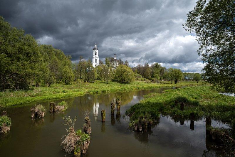 весна,река,небо,облака,тучи,отражение,храм весна в Филипповскомphoto preview