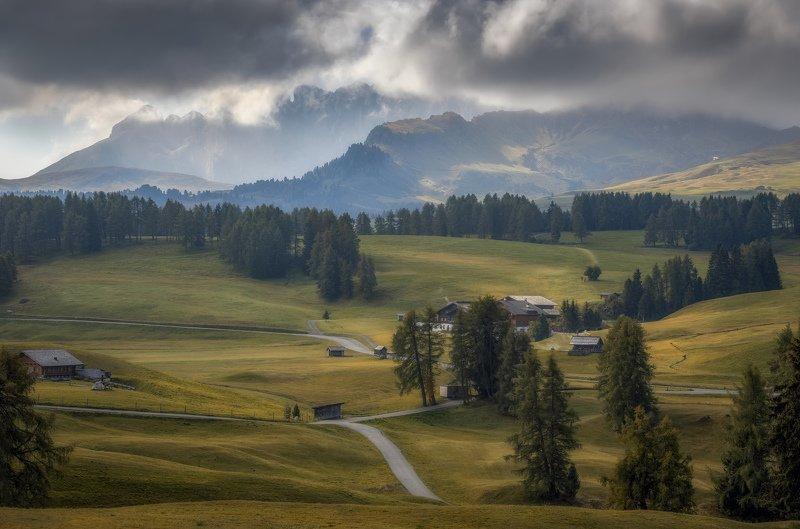 поля, горы дымкаphoto preview