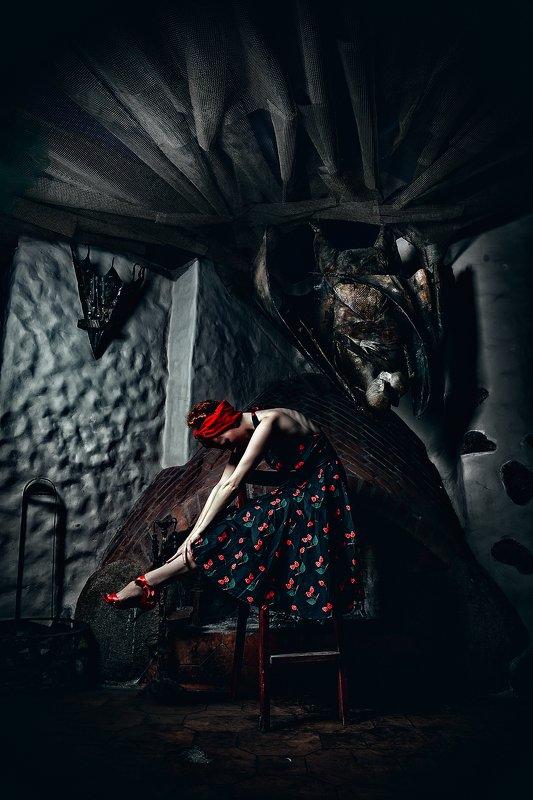 woman, beauty, fashion, art, indoors Vamp Dancesphoto preview