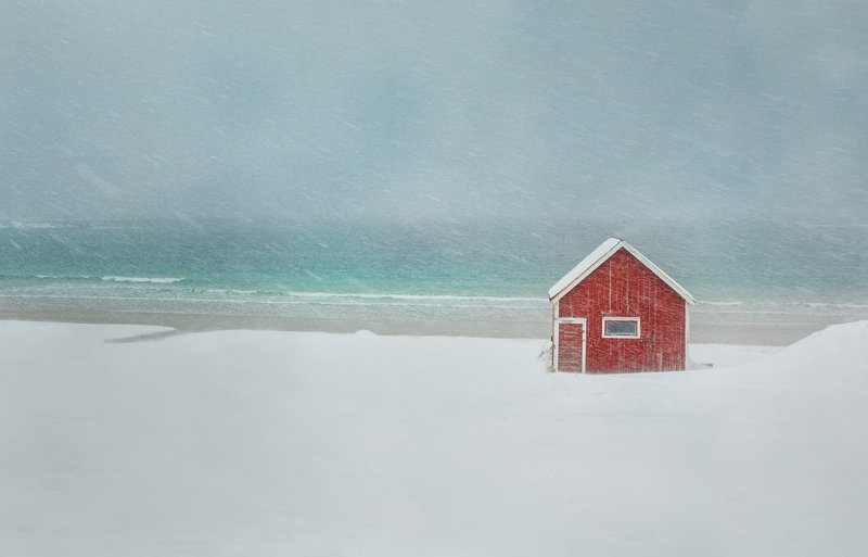 snow, winter, red, house Lonelinessphoto preview