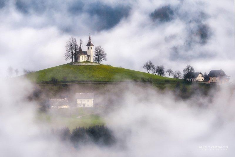 Среди гор и туманов.. фото превью