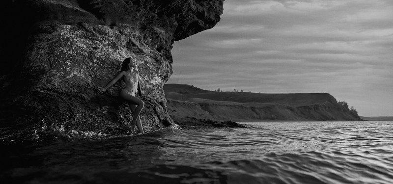 girl, naked, nude, b&w, black and white, dark, lake, water, rock, aslikul, bashkortostan, russia,  Aslikulphoto preview