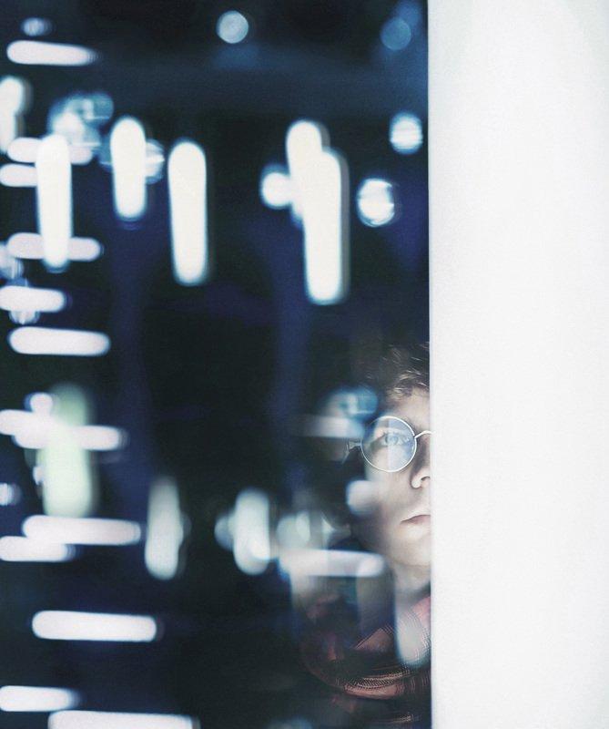 портрет,отражение,вечер Отраженные реалииphoto preview