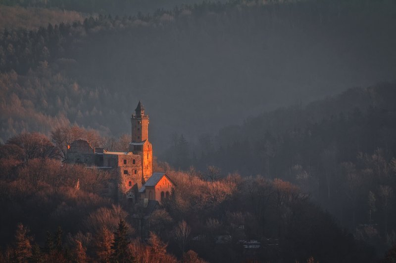autumn,mountains,canon,sunrise,castle The Light of the Pastphoto preview