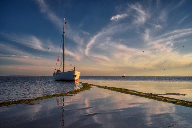 landscape Boat photo preview