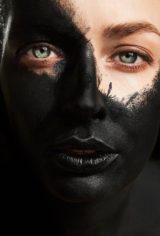 черный, цвет, маска, космос, будущее, взгляд, девушка, вирус Правдивая история весны 2020photo preview