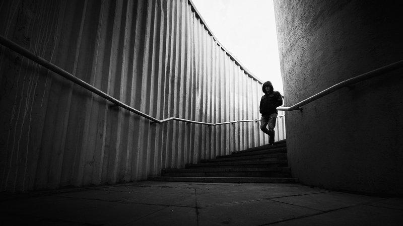 man, alone, steps, stairs, alone, light, shadow, city, street, walk, walking The portalphoto preview
