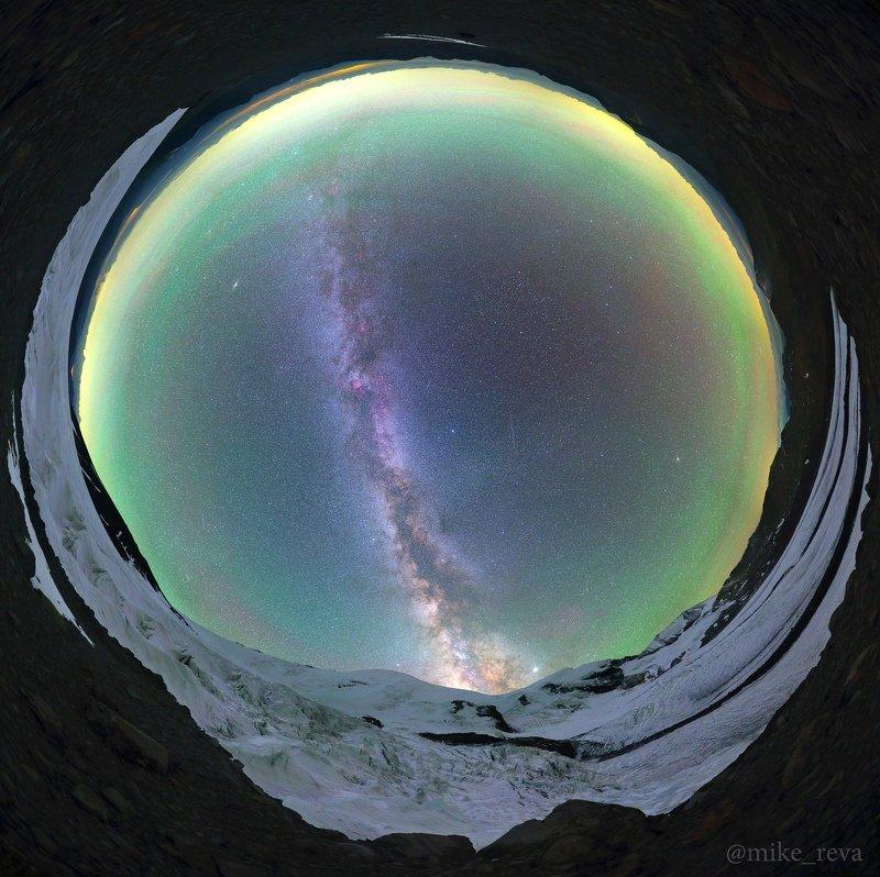 ночь эльбрус ночной пейзаж астрофотография звезды созвездия Над ледниками Эльбрусаphoto preview
