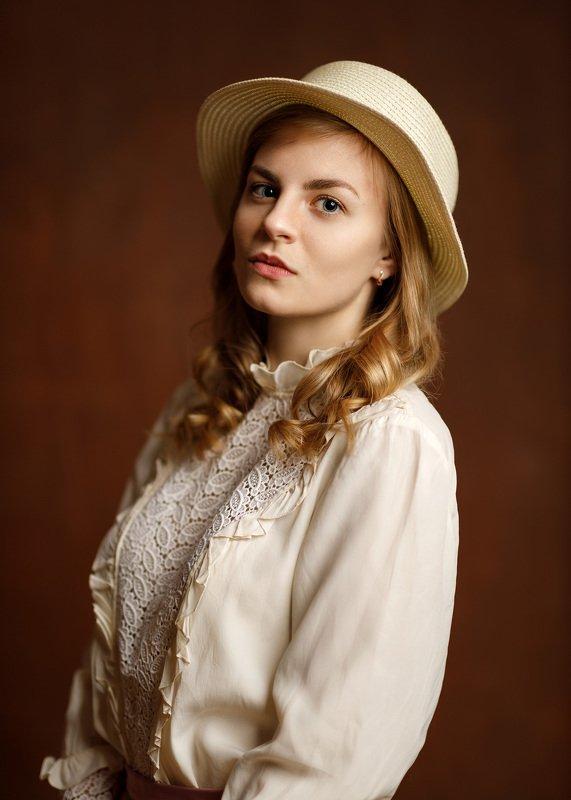 девушка взгляд портрет студия шляпка Annaphoto preview
