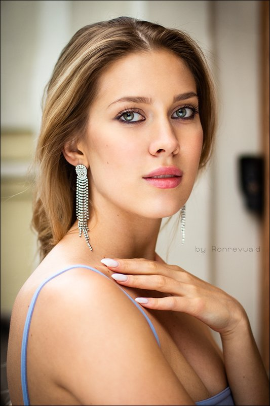 girl,woman,eyes,beauty,portrait,fashion,light,девушка,портрет,москва,свет, глаза Katephoto preview