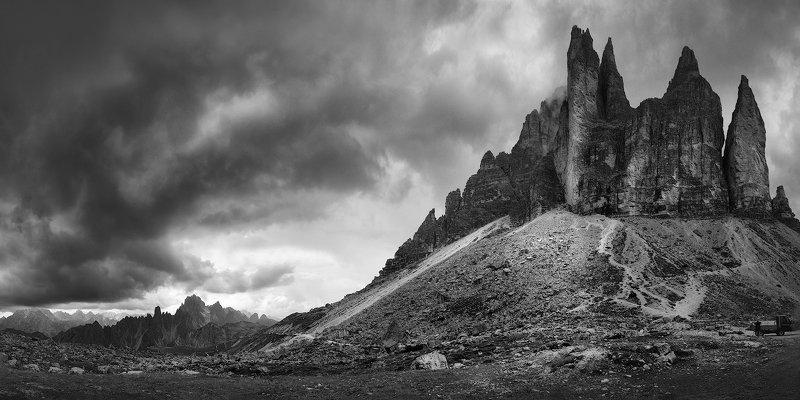 Black-white Tre Cime di Lavaredophoto preview