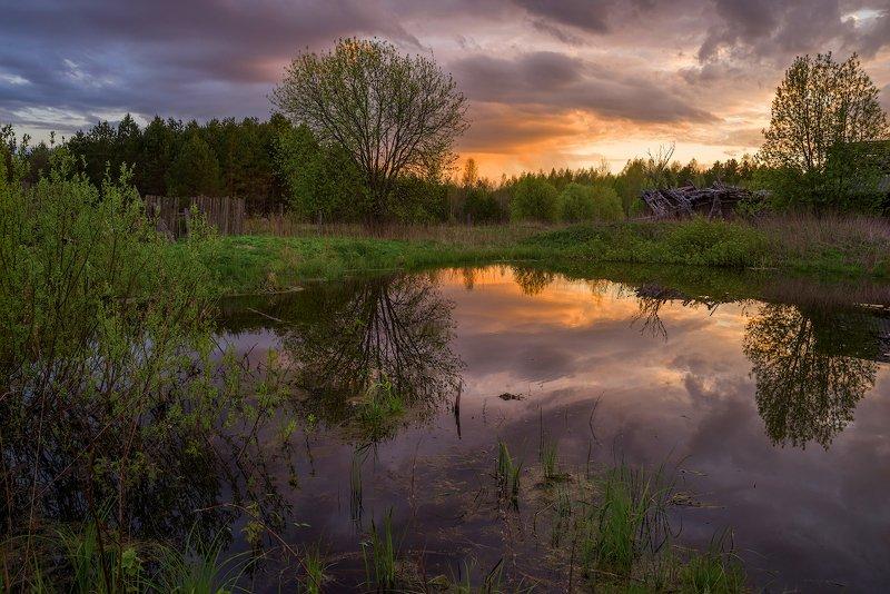 пруд, мостик, весна, вечер, закат, деревня маленький прудикphoto preview