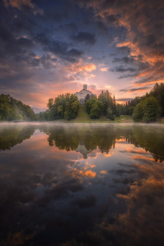 trakoscan croatia landscape sunrise clouds mist reflection forest sky  trakoscan lake фото превью