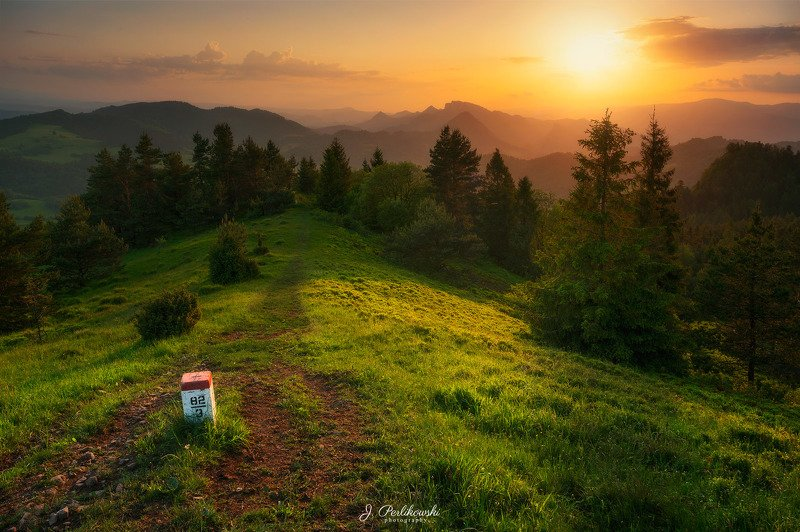 mountains, mountain, pieniny, poland, slovakia, sunset, landscape, colours, light Sunset in Pieniny Mountainsphoto preview