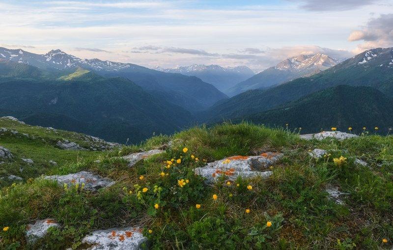 северный кавказ, рожкао, дженту,большая лаба,рассвет,июнь, Утро с видом на долину большой Лабыphoto preview