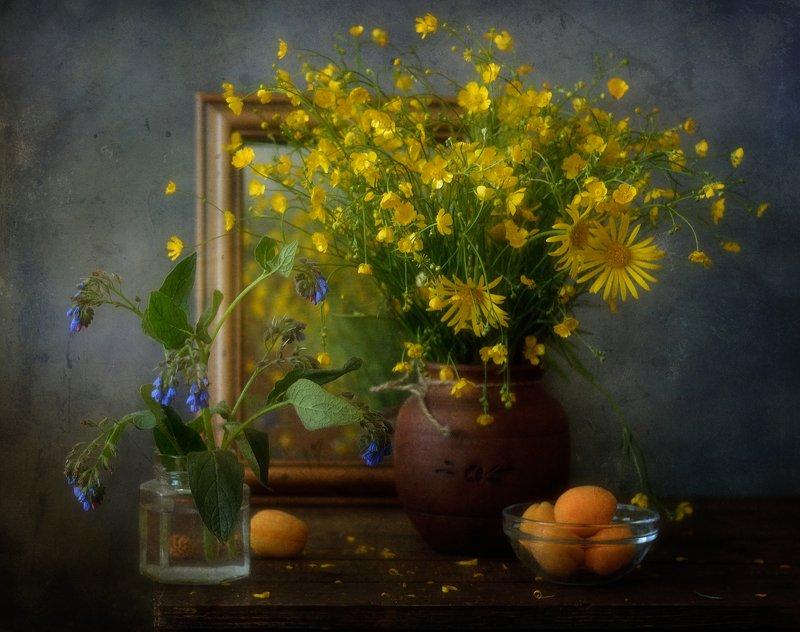 натюрморт,цветы,лютики,абрикосы,лето с лютиками )) фото превью