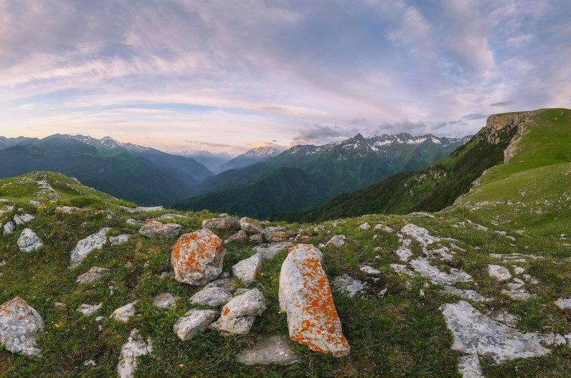 северный кавказ, рожкао, дженту, магишо, большая лаба, июнь, утро Утро с видом на Магишоphoto preview