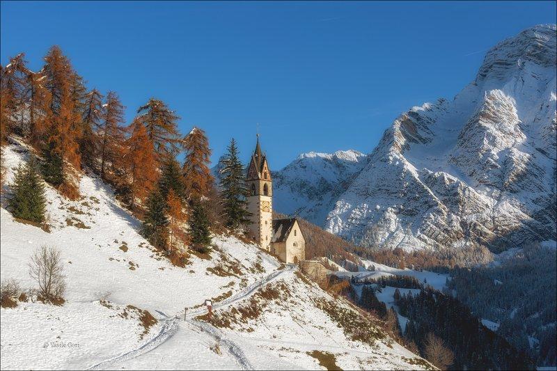 доломитовые альпы,tolpei,деревня,осень,снег,италия,alps,santa barbara,церквушка ПРИПОРОШИЛОphoto preview