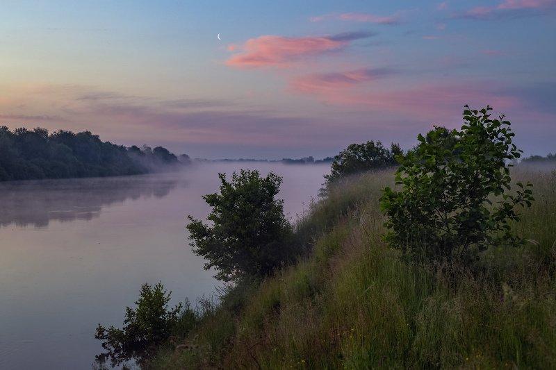 утро туман клязьма вода состояние глубоково Месяц над утренней Клязьмойphoto preview
