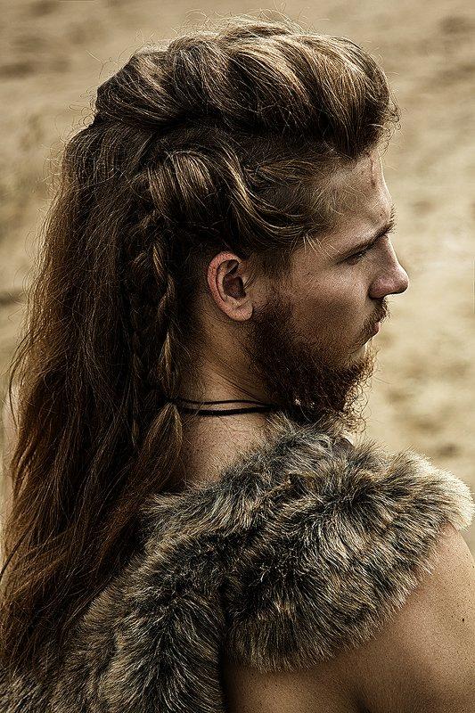 викинг, средневековье, косы, мужской портрет, мужчина, костюм, профиль Викингphoto preview