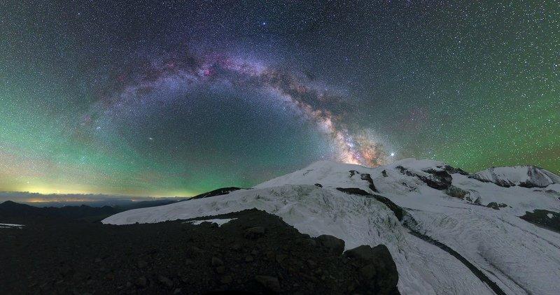 ночь эльбрус ночной пейзаж астрофотография звезды созвездия Языки ледника Уллучиранphoto preview