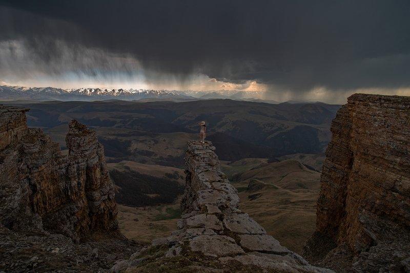 гора, рассвет, небо, плато, облака, утро, тучи, непогода, бермамыт, шляпка КАЖЕТСЯ, ДОЖДЬ НАЧИНАЕТСЯphoto preview