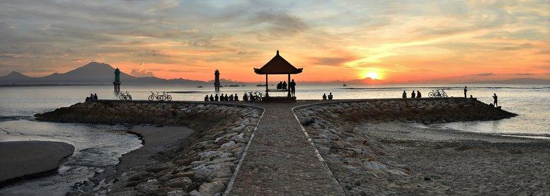 Рассвет на Сануре, Бали.photo preview