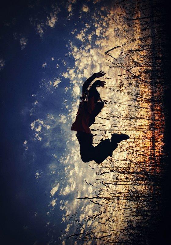 wwwest прыжок силуэт закат jump sunset silhouette Прыжокphoto preview