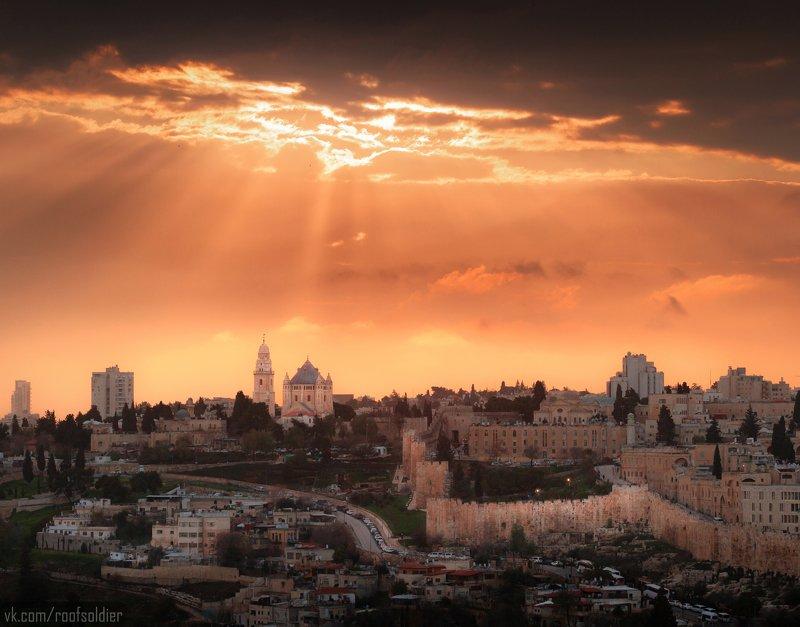 Иерусалим, Израиль, Палестина, Старый Город, Архитектура, религия, храм, церковь, закат, рассвет, город, пейзаж, открытка, крыша, architecture, urban, sunset, sunrise, religion, church, cathedral, old city, jerusalem, israel, palestine Тучи над Иерусалимомphoto preview