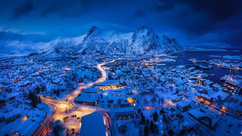 norvegia, svolvær, svolver, mountains, drone, sunset, bluehour, city, lights Above the Svolvær фото превью