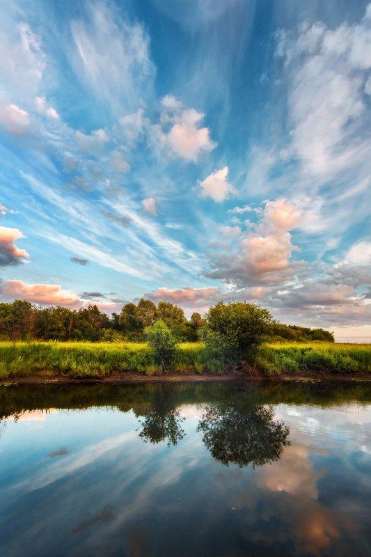 река, облака, небо, красивые облака, закат, пейзаж, удмуртия Вечернее небо на реке Позимьphoto preview