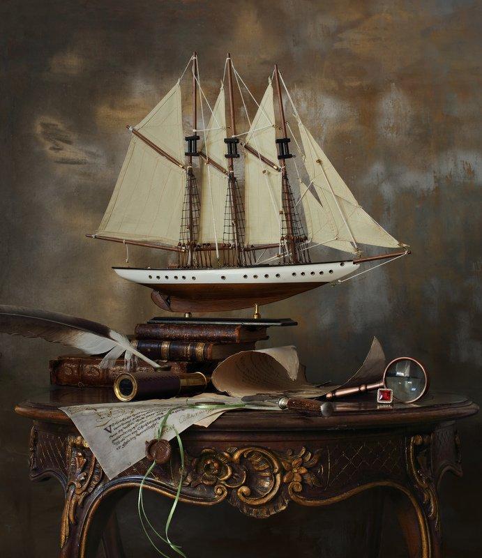 натюрморт, корабль, парусник, книги, свет, приключения Натюрморт с парусным кораблемphoto preview