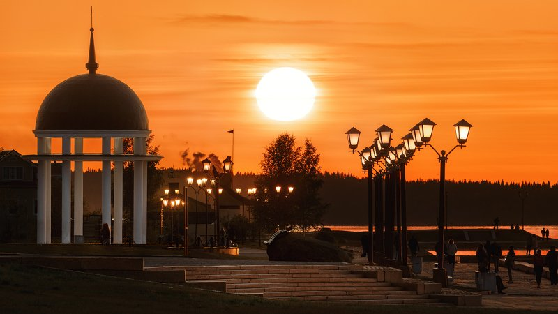Закат над набережной Петрозаводскаphoto preview