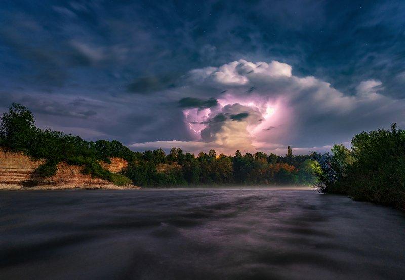 гроза, молня, облако, река белая, Облако генерирующее молнииphoto preview