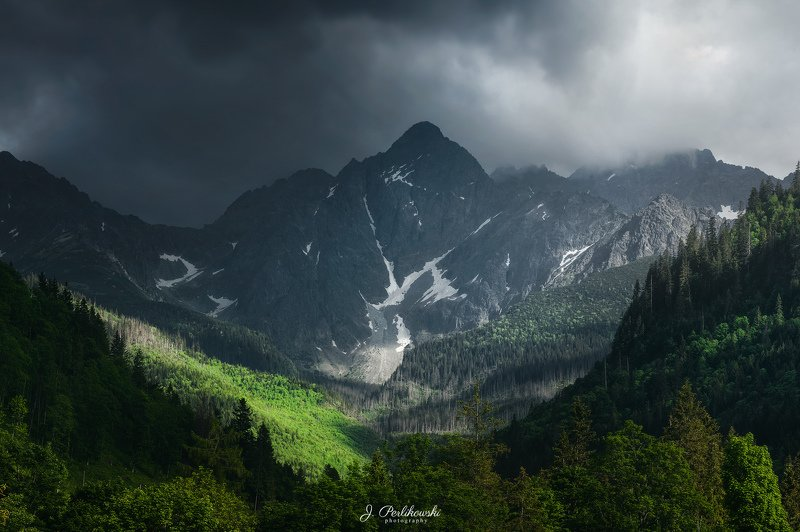 tatras, tatry, tatra, landscape, mountains, storm, cloudy, light, thunder, Light in mountainsphoto preview