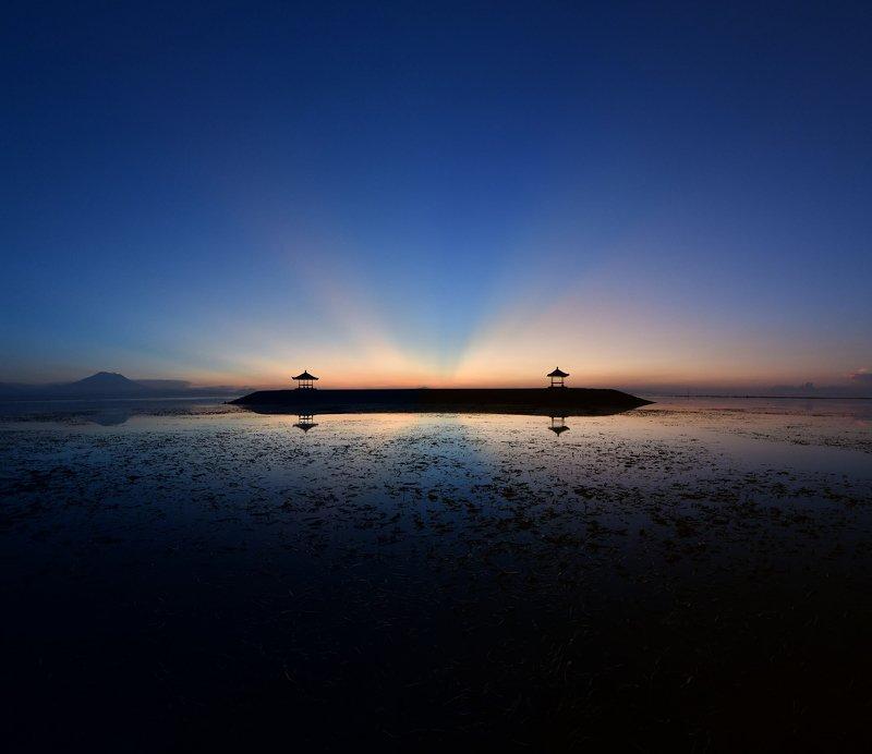 рассвет, бали, индонезия, океан Первые лучиphoto preview