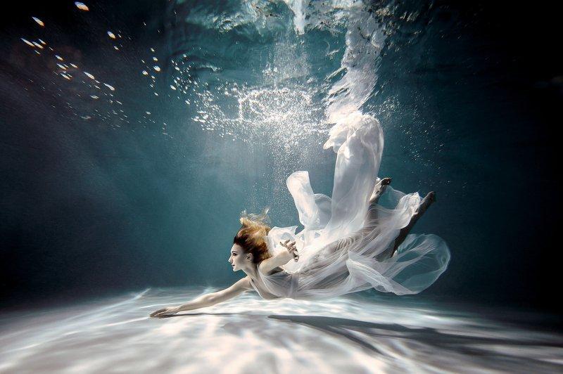 подводная съемка, русалка, девушка под водой photo preview
