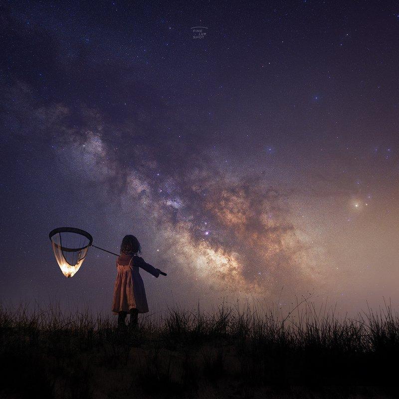 Star catching girl фото превью